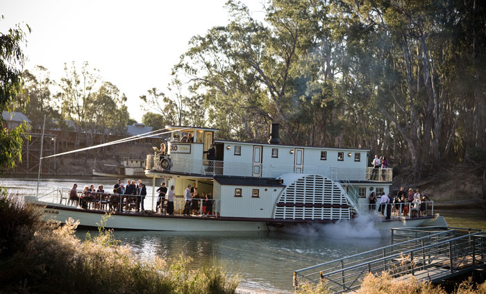 Echuca wineries wedding